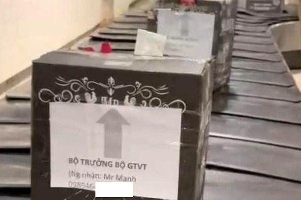 Vụ 'lô hàng ghi tên Bộ trưởng GTVT tại sân bay': Buộc thôi việc đối với nhân viên mạo danh