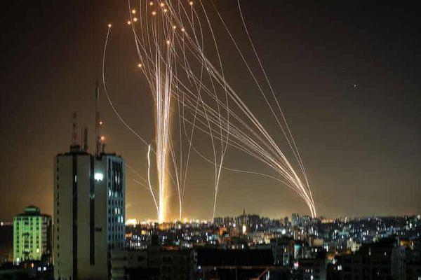 Khi 'Vòm sắt' gặp mưa rocket giữa lò lửa Trung Đông