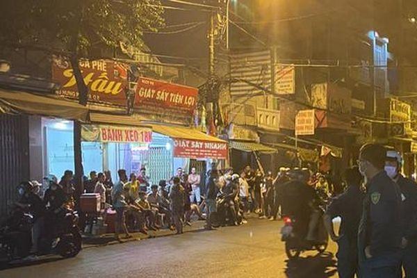 TPHCM: Hàng chục thanh thiếu niên hỗn chiến kinh hoàng trong đêm