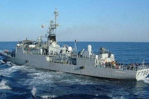 Chiến hạm Pháp hướng về Crimea sau khi vào Biển Đen, Nga canh chừng