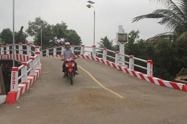 Nỗ lực vận động xây dựng giao thông nông thôn