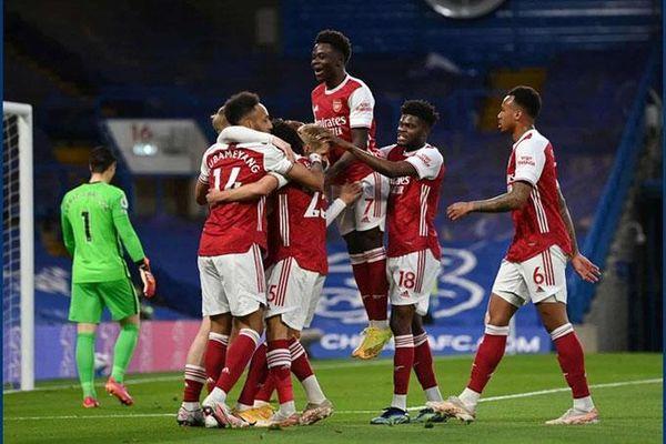 Đâu là lối chơi mà Arsenal nên hướng tới?