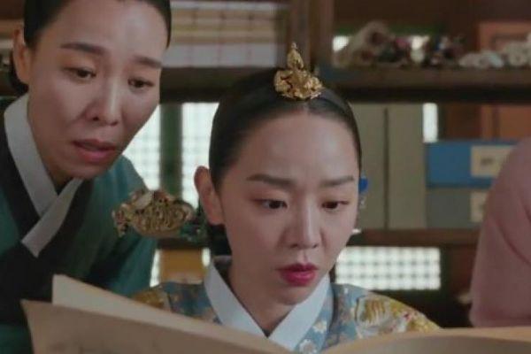 'Chàng hậu' Shin Hye Sun và 'Thượng cung Choi' Cha Chung Hwa cùng được đề cử Baeksang 2021