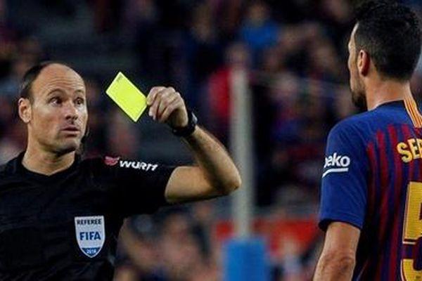 Chung kết Champions league: ManCity đụng vị trọng tài 'đầy ân oán'