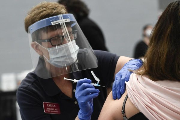 Mỹ: Tiêm một liều vaccine COVID-19, ẵm 1 triệu USD