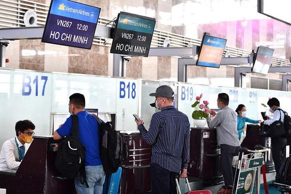 Hàng không phải hoàn trả giá dịch vụ khi khách hoàn, hủy vé máy bay