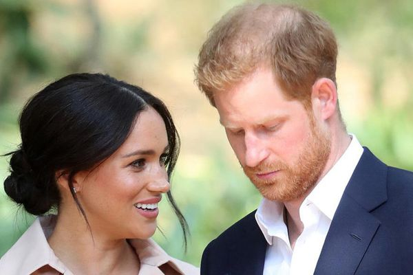 Harry nói về 3 lần cảm thấy bất lực khi ở Hoàng gia Anh và tiết lộ câu nói của Meghan giúp anh 'làm lại cuộc đời'