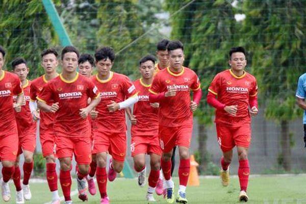 U22 Việt Nam 'nuốt' trọn giáo án thể lực dưới trời nắng nóng