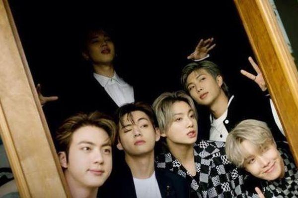 Ngắm BTS lịch lãm trên bìa Rolling Stone, 'tam giác visual' Jin - V - Jung Kook gây sốt