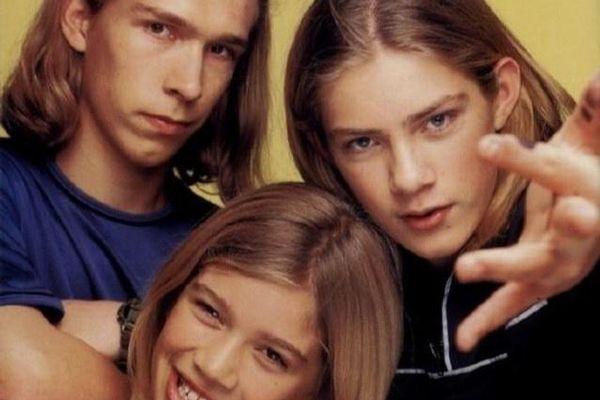 Ba anh em ban nhạc Hanson có tổng 15 người con