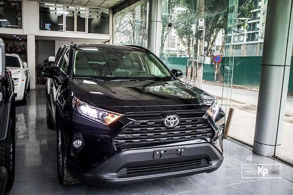 Cận cảnh Toyota RAV4 XLE 2021 hơn 2,6 tỷ tại Việt Nam