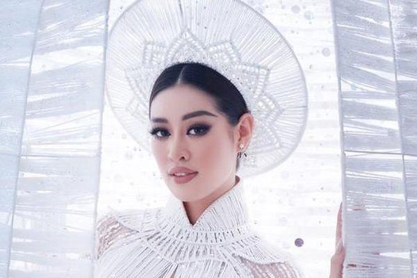 'Mãn nhãn' ngắm Khánh Vân trình diễn trang phục nặng hơn 30kg tại Miss Universe