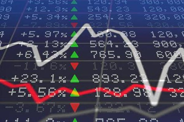 Chứng khoán tiến sát vùng đỉnh cũ, khối ngoại mạnh tay bán HPG