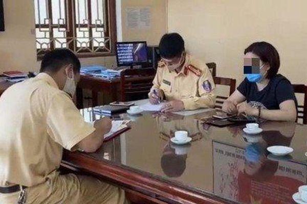 Tước bằng, phạt nặng nữ tài xế lùi xe trên cao tốc Hà Nội - Thái Nguyên