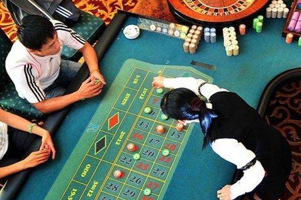 Lỗ liên tiếp, DN casino duy nhất trên sàn nguy cơ phải 'bỏ cuộc chơi'