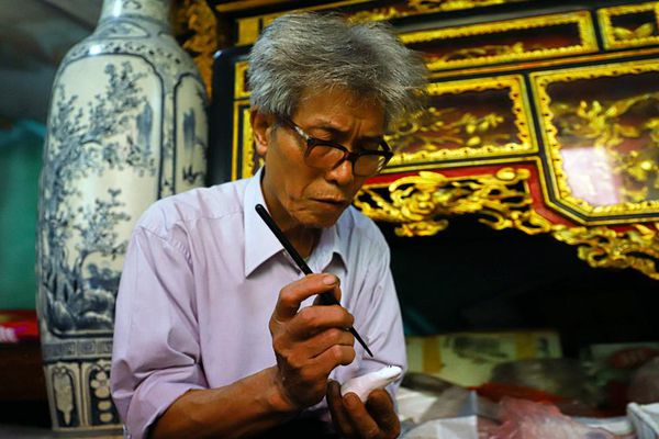Nghệ nhân phỗng đất Phùng Đình Giáp- Giữ hồn quê Kinh Bắc
