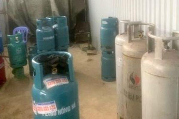 Phát hiện hàng tấn gas không rõ nguồn gốc chuẩn bị đưa đi tiêu thụ