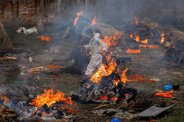 Cơ sở hỏa táng ở Nepal hoạt động suốt ngày đêm