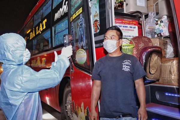 12 chốt bắt đầu kiểm dịch tại các cửa ngõ ra vào TP Hồ Chí Minh