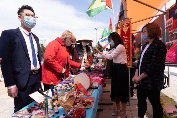Sinh viên Việt Nam quảng bá đất nước tại Nga