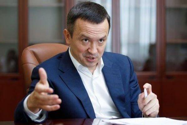 Ukraine: Cựu lãnh đạo tài chính cảnh báo 'núi nợ vỡ tung như bong bóng xà phòng', Bộ trưởng Kinh tế nộp đơn từ chức
