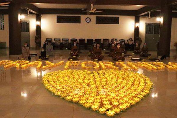 Tăng ni, Phật tử TP Hồ Chí Minh chia sẻ khó khăn vì COVID-19 với nhân dân Ấn Độ