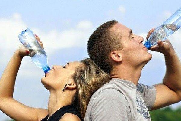 Những lý do khiến nước giúp giảm cân hiệu quả
