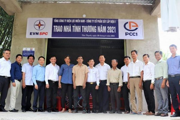 PCC1 và Điện lực Miền Nam tặng 3 căn nhà tình thương tại Long An