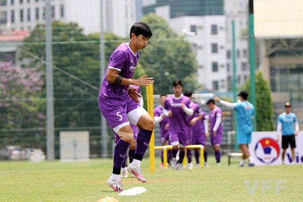 Văn Hậu hồi phục tốt, trở lại tập luyện cùng đội tuyển Việt Nam