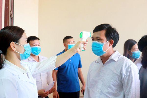 Hà Nội: Yêu cầu doanh nghiệp trong khu công nghiệp lập ngay ban chỉ đạo phòng chống dịch Covid-19, khuyến khích lắp buồng khử khuẩn tại cổng vào
