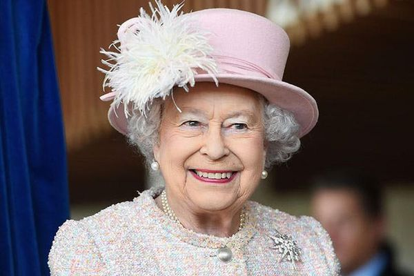 Choáng ngợp số động vật Nữ hoàng Anh Elizabeth II sở hữu