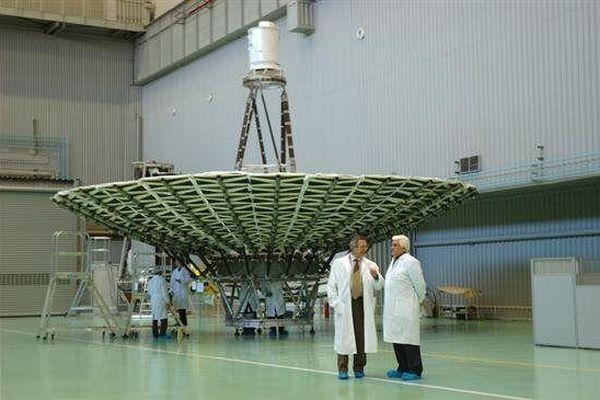 Nga tăng cường độ chính xác đo vật thể không gian bằng bộ tách sóng quang của kính thiên văn