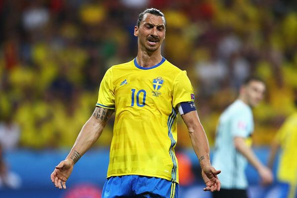 Ibrahimovic bị loại khỏi VCK EURO
