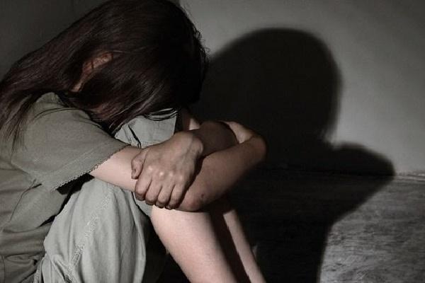 Nỗi lo xâm hại tình dục qua mạng: Cha mẹ làm gì để bảo vệ con?