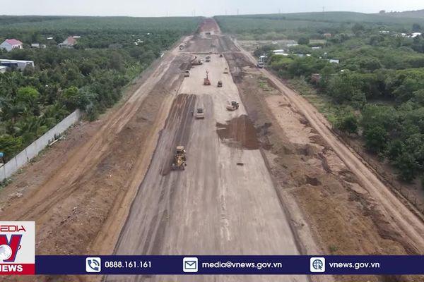 Thiếu hàng triệu m3 đất san lấp cao tốc Phan Thiết – Dầu Giây
