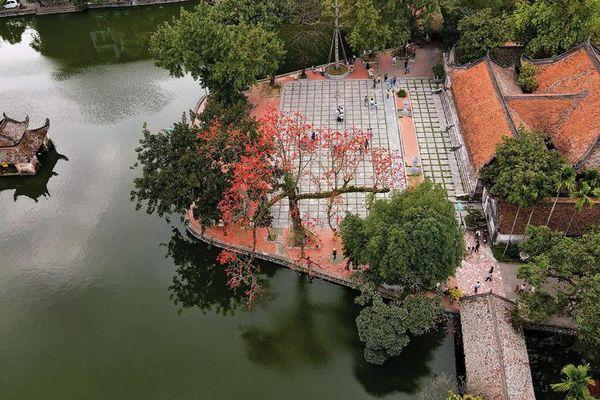 Một tháng Bác Hồ ở làng Thầy
