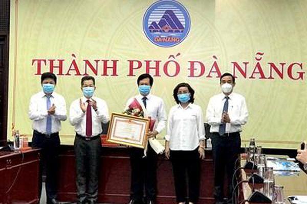 Trao bằng khen của Thủ tướng Chính phủ cho CDC Đà Nẵng