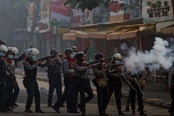 Đại hội đồng LHQ sẽ bỏ phiếu về việc cấm vận vũ khí quân đội Myanmar