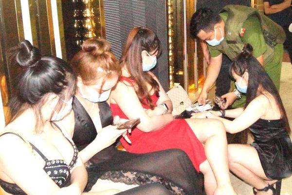 95 khách vào quán karaoke đợt dịch Covid-19