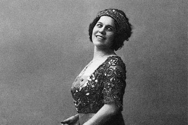 Nữ điệp viên nổi tiếng Liên Xô hoạt động dưới vỏ bọc ca sĩ