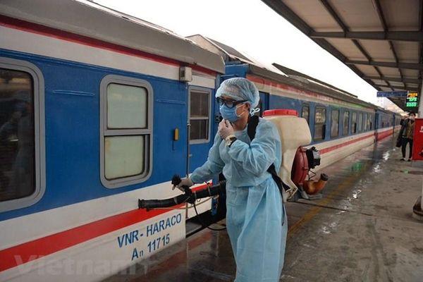 Ngành đường sắt đề nghị ưu tiên tiêm vaccine cho cán bộ, nhân viên