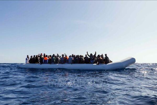 Tây Ban Nha bắt giữ 100 người vượt biển từ Maroc sang