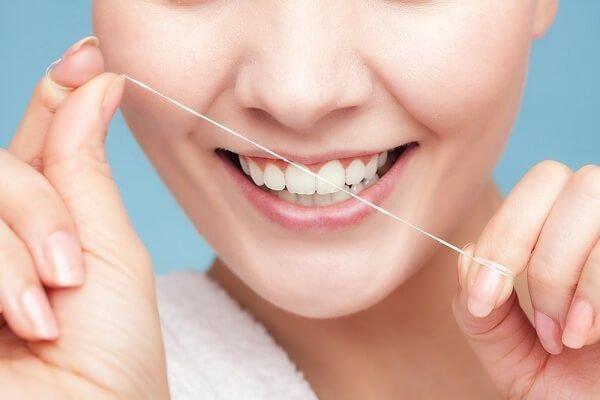 Mảng bám răng và những hệ lụy