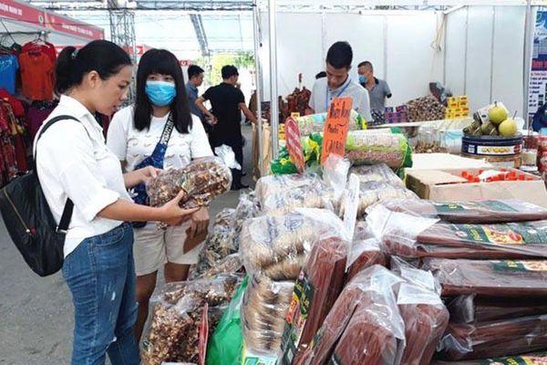 Huyện Mê Linh: Đẩy mạnh tuyên truyền tiêu dùng hàng Việt gắn với phòng dịch