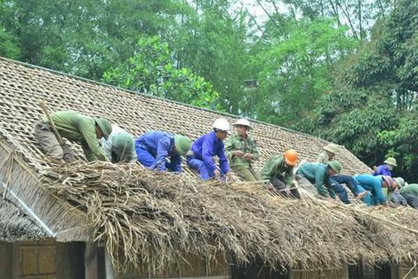 Người chuyên thay 'áo mới' nhà Bác ở làng Sen