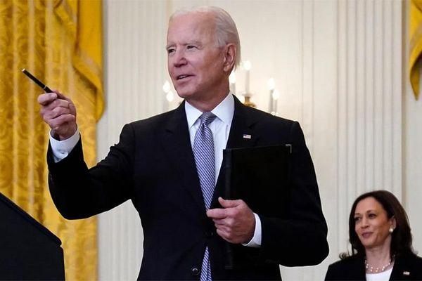 Ông Biden cảnh báo không tiêm vắc-xin sẽ phải trả giá