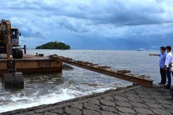 Khởi công mô hình thử nghiệm điện năng lượng mặt trời trên biển tại Cà Mau