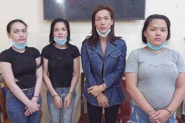 Thành phố Hồ Chí Minh: Bắt nhóm đối tượng chuyển giới trộm cắp tài sản