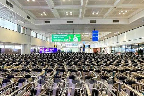 Không khí đìu hiu bao trùm nhà ga, bến xe và sân bay Hà Nội