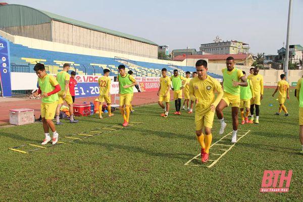 CLB Đông Á Thanh Hóa hội quân, hào hứng trở lại tập luyện